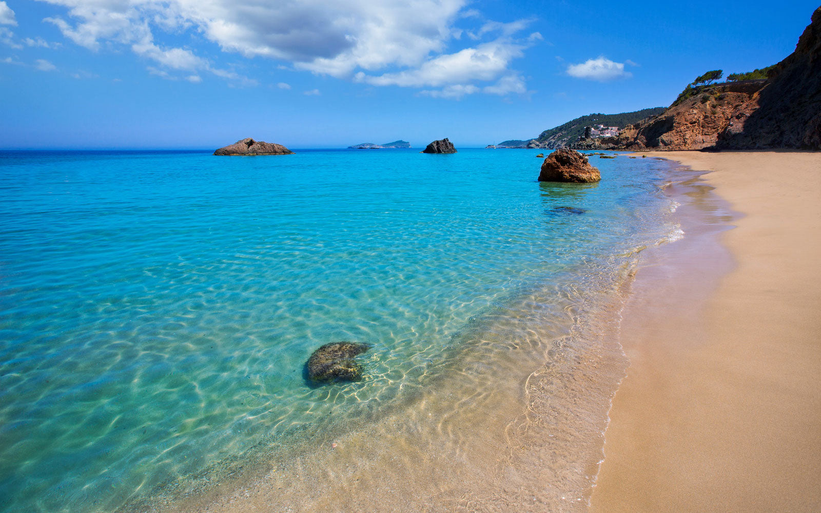 Image Credit: http://www.supercoolbeaches.com/