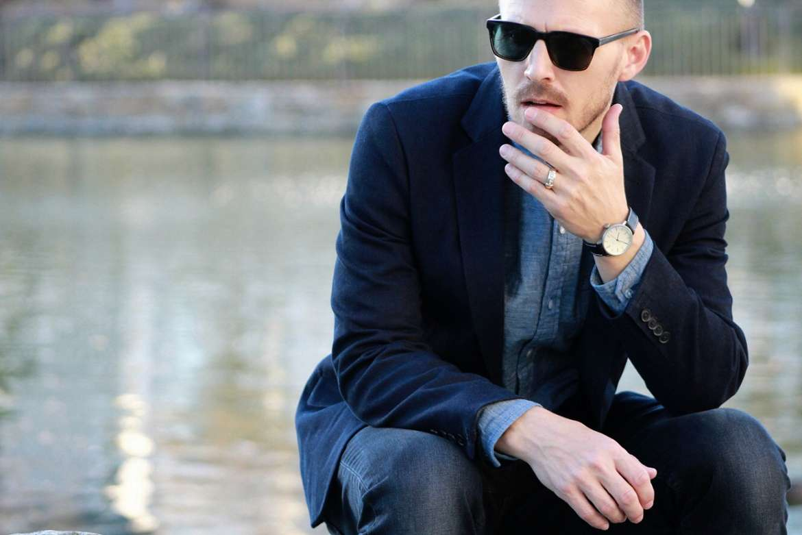blue blazer and jeans mens street style