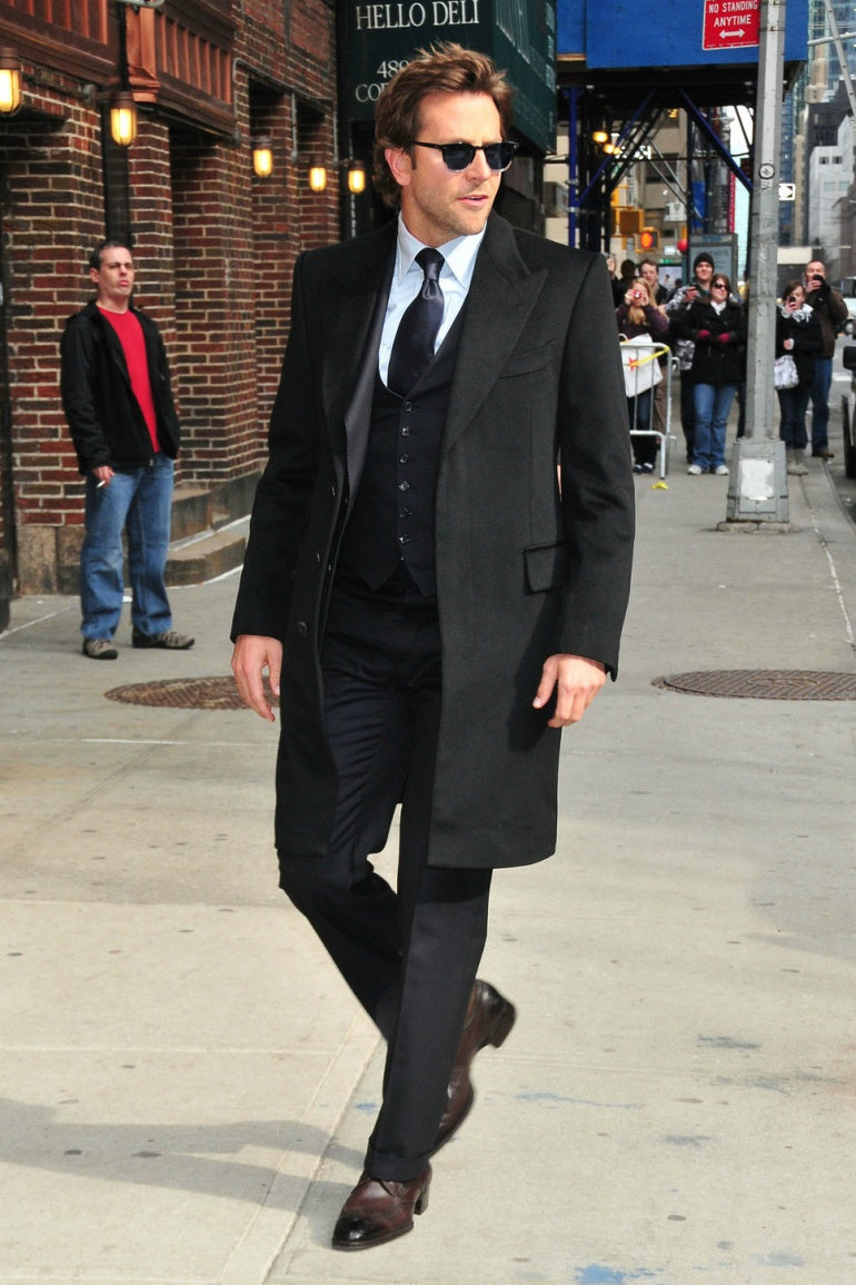 bradley cooper black suit brown shoes mens street style