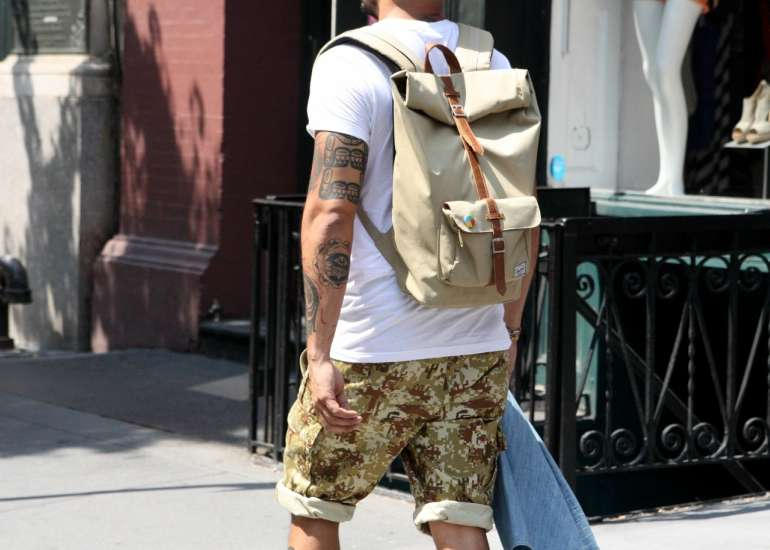 cargo shorts men streetstyle