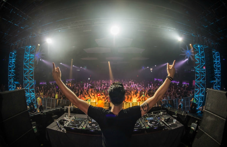 cedric gervais hands out