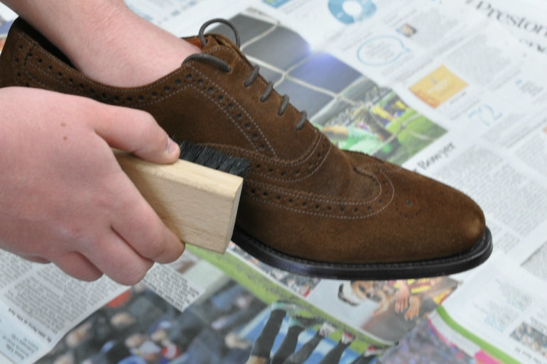 mens suede cleaner