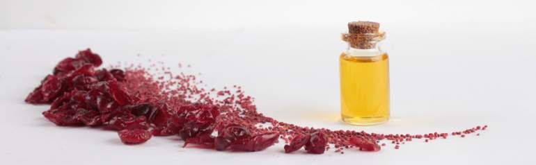 cranberry-seed-oil-men-skin