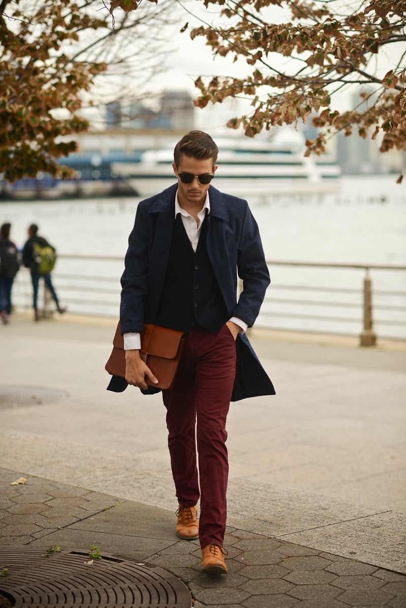 dark-red-trousers-burgandy-mens-fashion-style