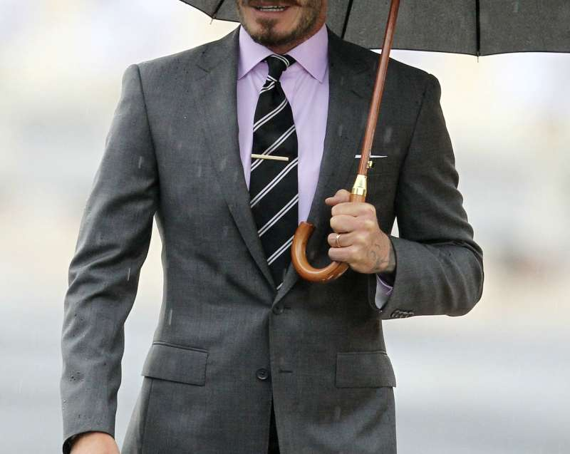 david beckham grey suit pink shirt