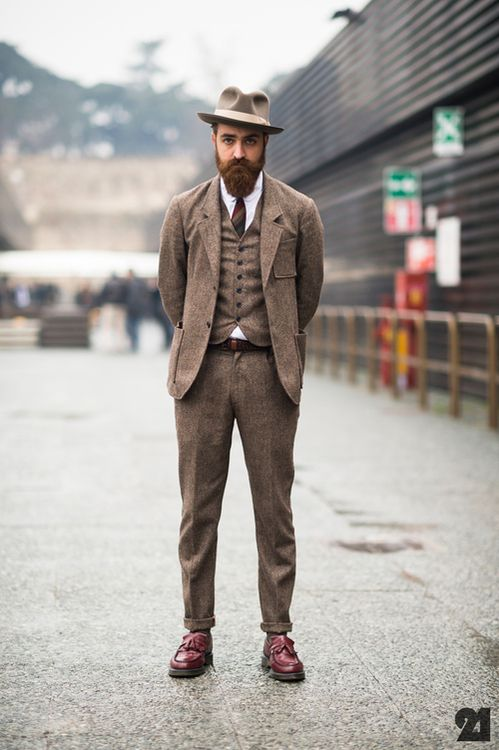 different types of suit and how to wear them- tweed suit
