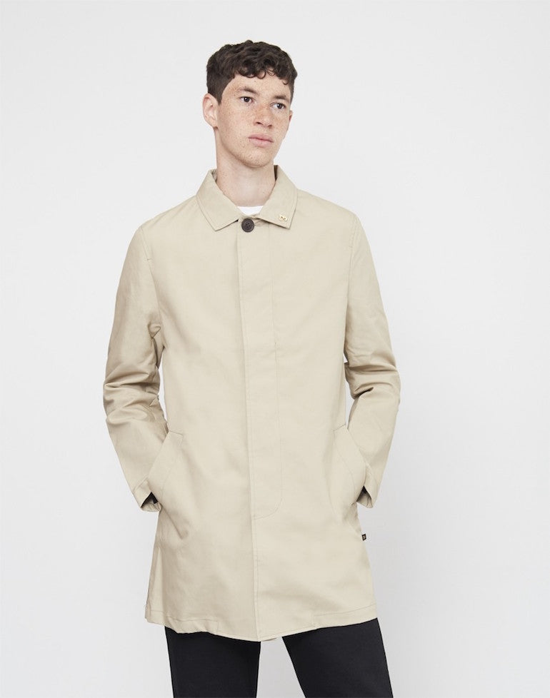 farah-ossington-cotton-mac-jacket-tan