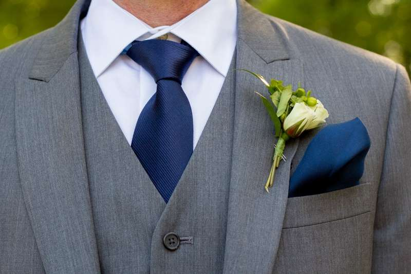 Shirt And Tie Combinations With A Grey Suit