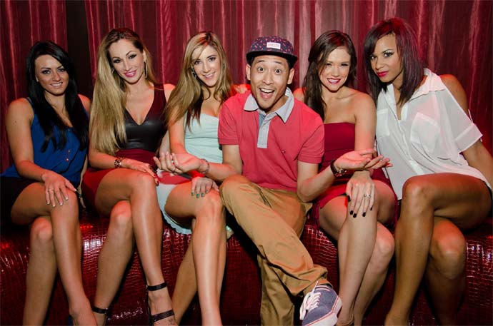 guy-with-all-the-girls