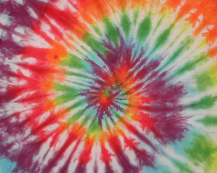 how to tie dye at home spiral pattern