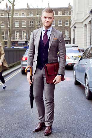 how to wear a grey suit with a black waistcoat- man grey tweed suit black waistcoat
