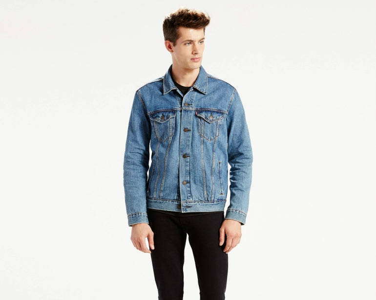 how to wear a levis trucker jacket for men