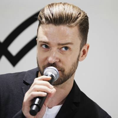 mens justin timberlake long slick back hair in suit street style