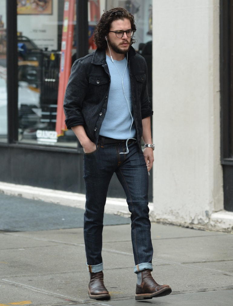 kit harrington jeans street style mens-min