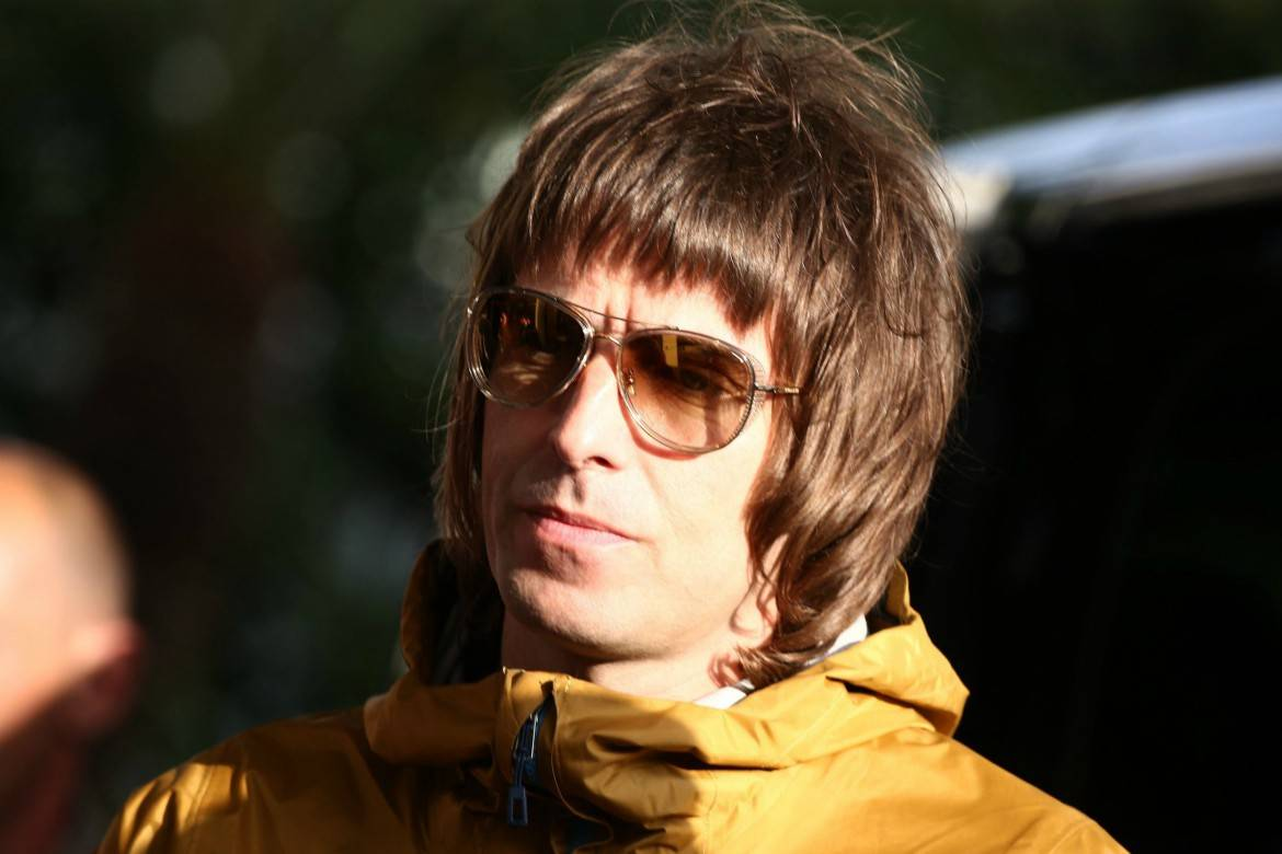 liam gallagher long page boy hairstyle