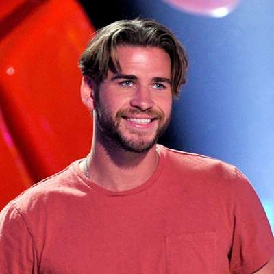 Liam Hemsworth mens curtains haircut