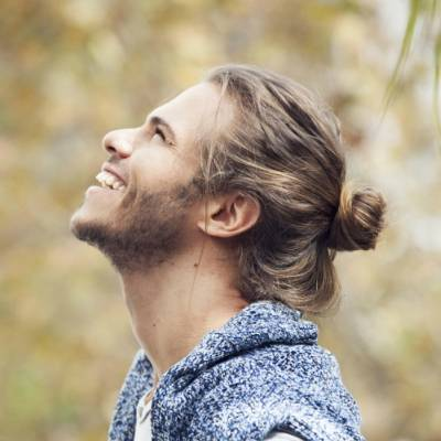 man bun hairstyle for men