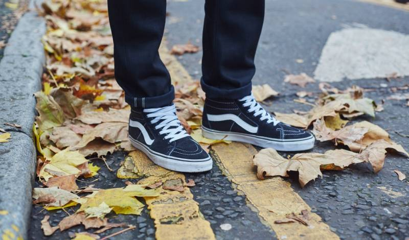 how to wear vans sk8hi trainers