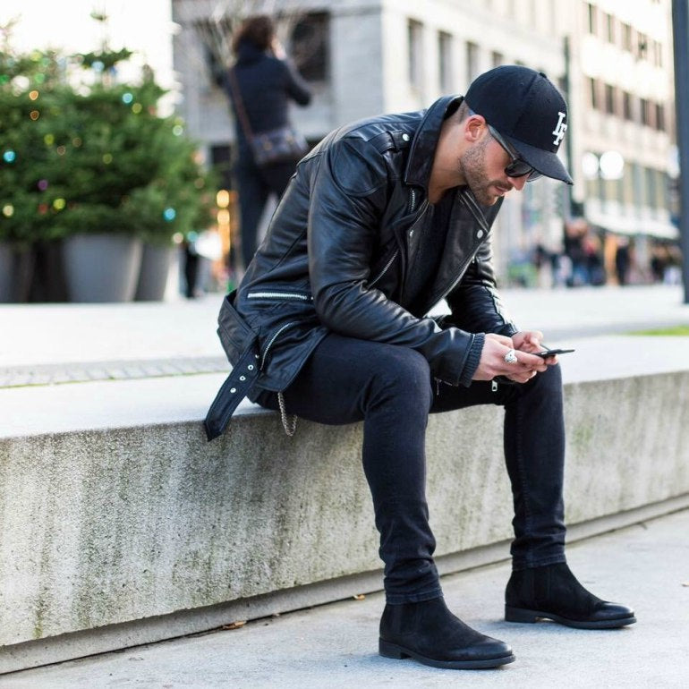 mens-black-chelsea-boots-jeans-leather-jacket-hat-street-style