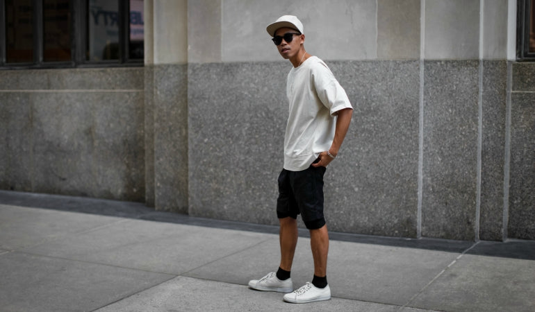 mens short and t-shirt streetstyle