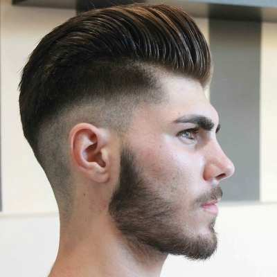mens skin fade pompadour hairstyle