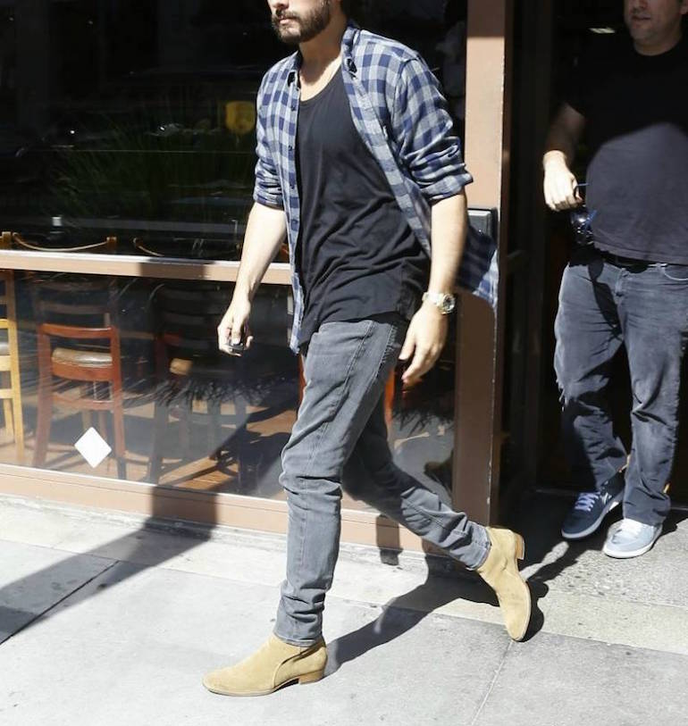 f9304fbf57a ... mens street style scott disick blue flannel shirt black t-shrit grey  jeans chelsea boots Scott Disick carries grunge look with suede ...