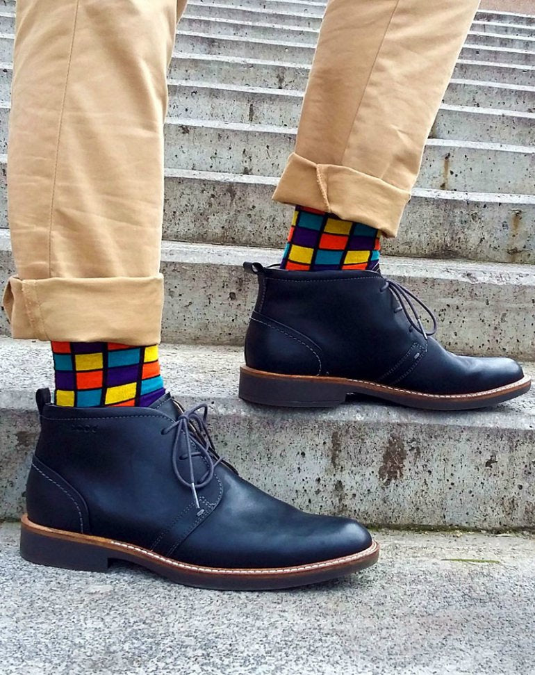 modern-colored-square-pattern-socks-mens-fashion