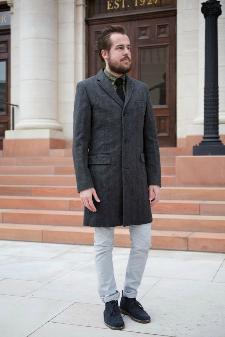 navy-blue-desset-boots-overcoat-winter-street-style