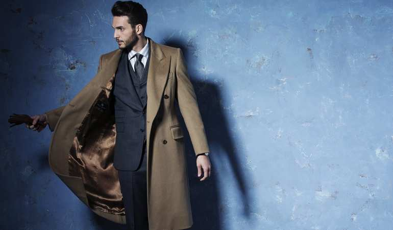 4db1389e1132 over coat and suit street style mens