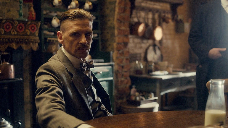 peaky-blinders-hairstyle-arthur-shelby-grooming-inspiration-mens-fashion