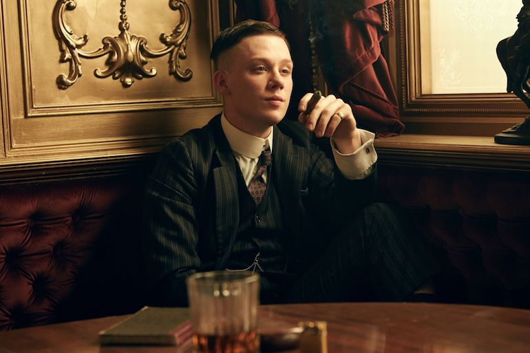 peaky-blinders-hairstyle-john-shelby-grooming-inspiration-mens-fashion