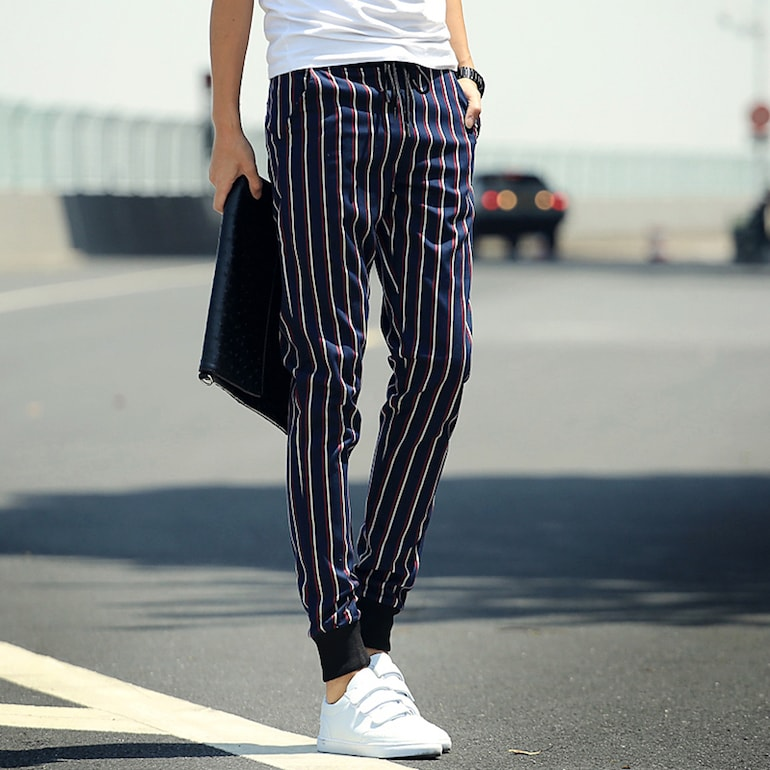 skinny guys vertical stripes white trainers-min