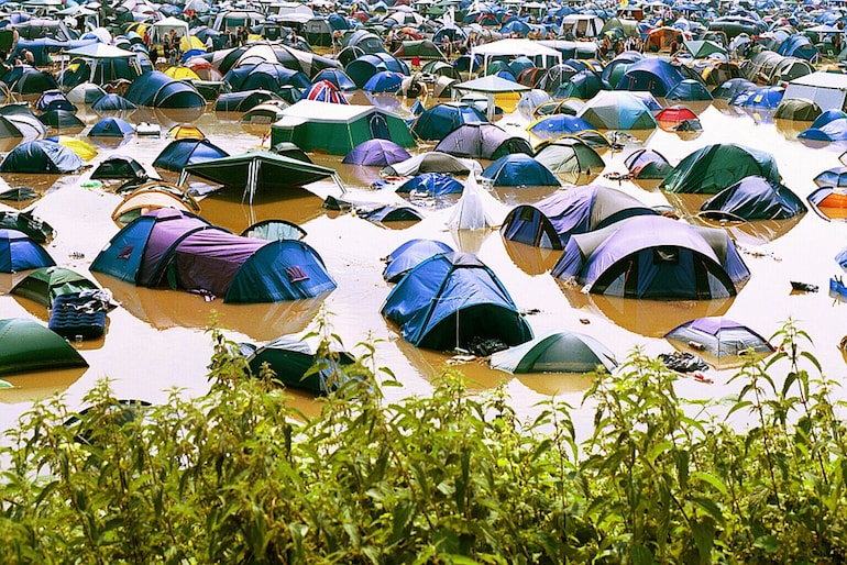 tents underwater glastonbury mens street style-min