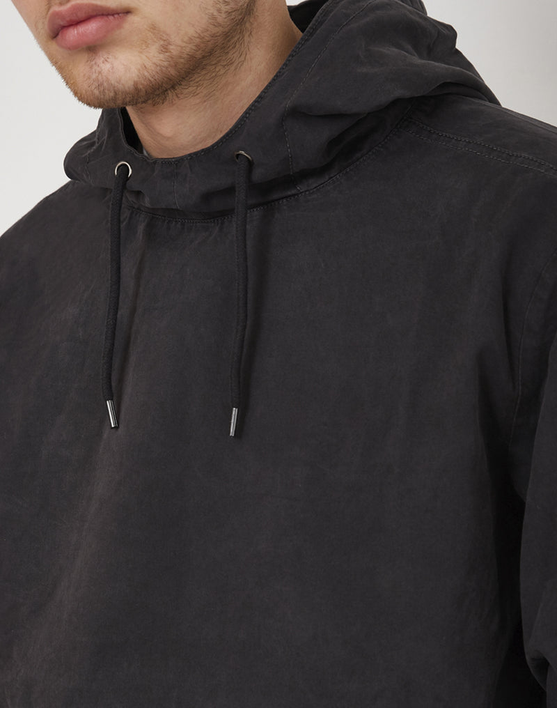The Idle Man - Washed Cotton Overhead Cagoule Jacket Black