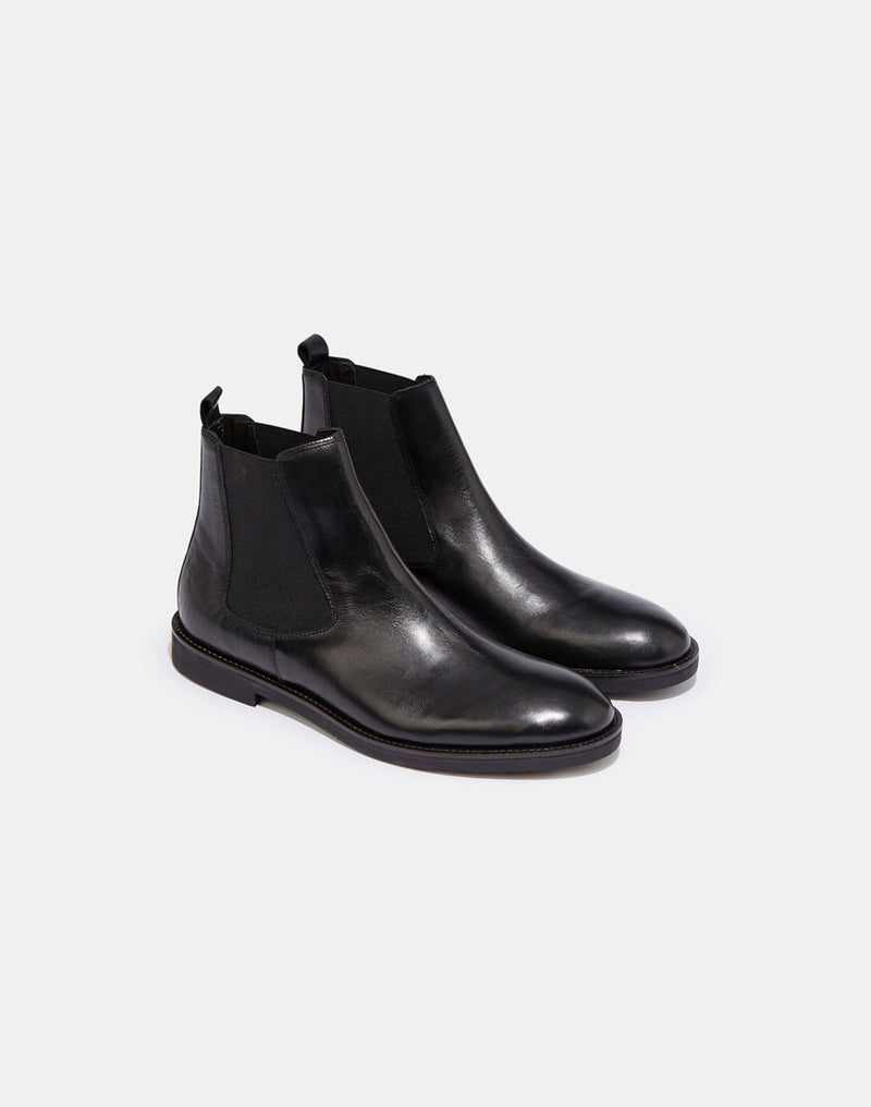 Hudson - Chelsea Boots in Black Leather