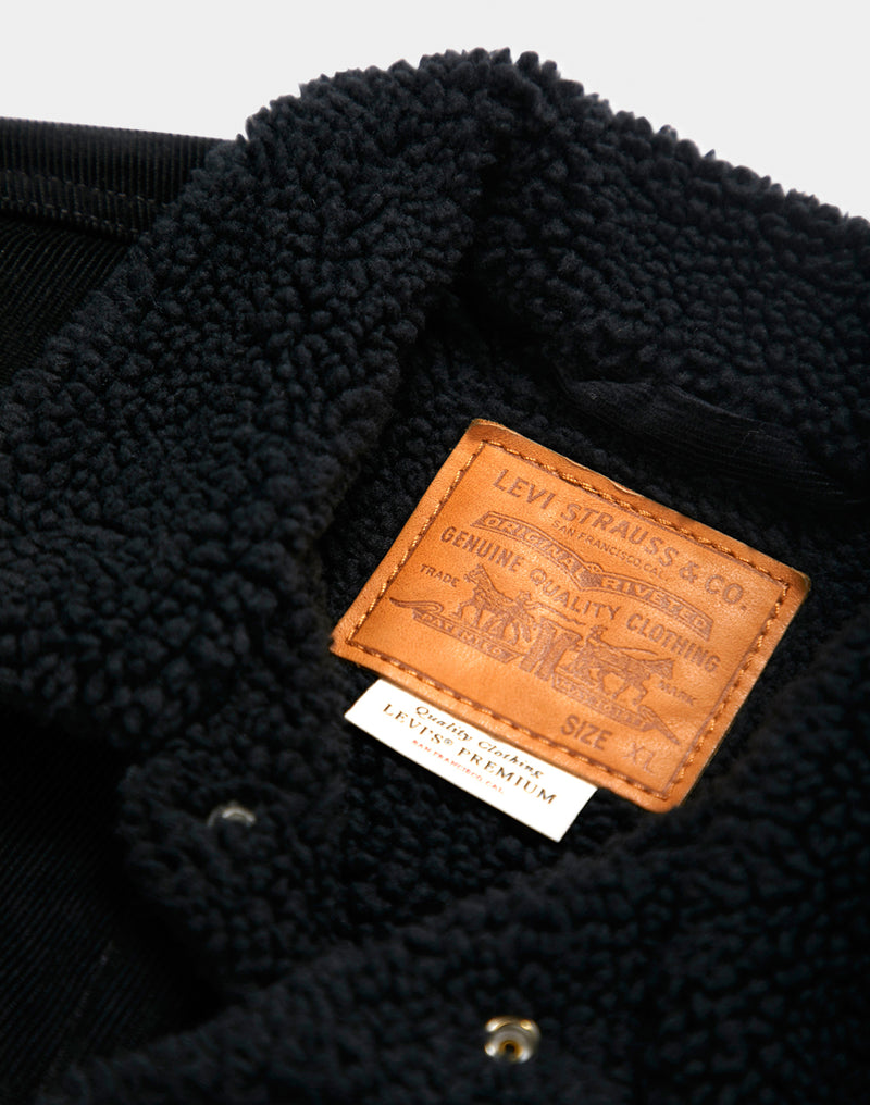 Levi's - Type 3 Sherpa Trucker Jacket in Corduroy Black