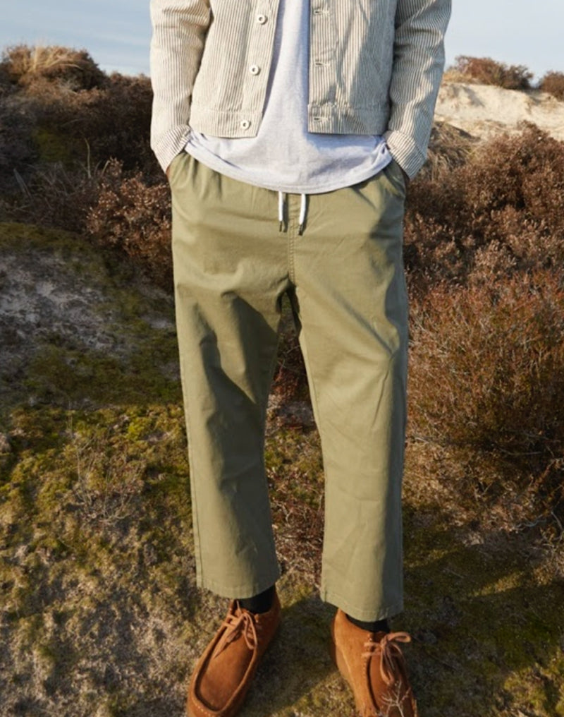 The Idle Man - Loose Fit Cropped Chino Green