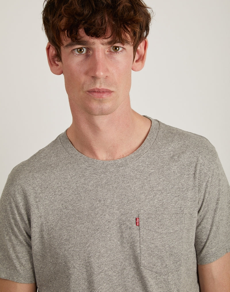 Levi's - Short Sleeve Set-In Sunset Pocket T-Shirt Grey