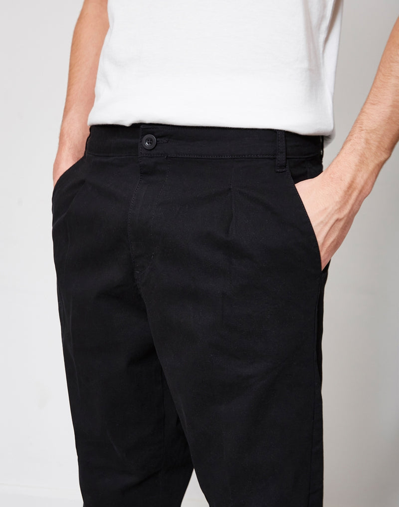 The Idle Man - Loose Fit Cropped Pleated Chino Black