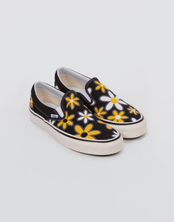 Vans - Classic Slip On 98 DX Plimsoll Black With Flowers