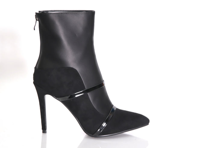Vanessa Booties (Black) **Runs 2 sizes small**