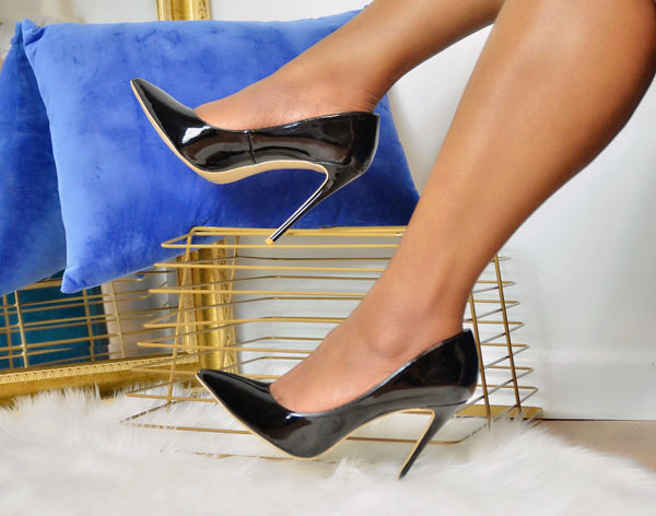 Classic Candace Black Pointed Toe Pump