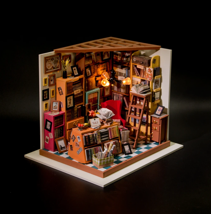 Robotime DIY Dollhouse Kit-Sam's Study with LED light