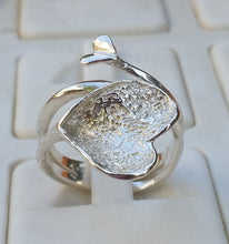Load image into Gallery viewer, Silver Heart Ring