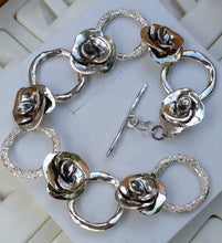 Load image into Gallery viewer, silver flower bracelet