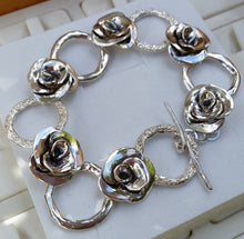 Load image into Gallery viewer, rose silver bracelet