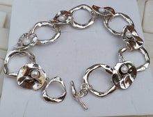 Load image into Gallery viewer, Silver Link Pearl Bracelet