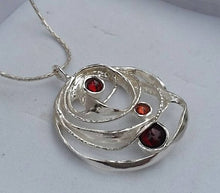 Load image into Gallery viewer, Silver Garnets Pendant