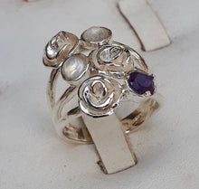 Load image into Gallery viewer, Flower Gems Silver Ring