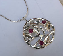 Load image into Gallery viewer, Silver Leaves Pendant